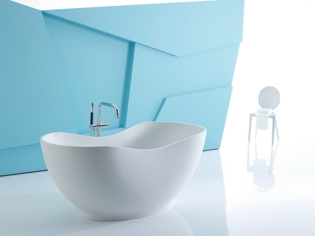 Bust of Unique Japanese Soaking Tub Kohler | Bathroom Design ...