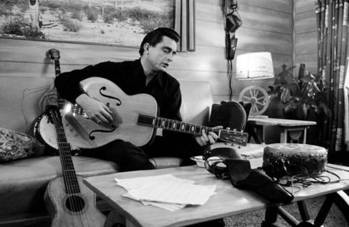 Johnny+Cash+2977549029775491large.jpg 500×326 pixels