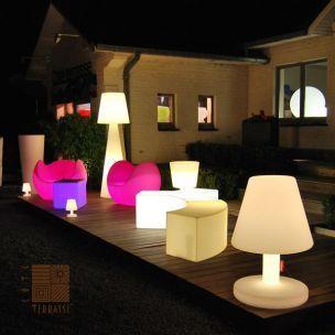 Lampe Fatboy Edison The Petit Lampe De Table Ideal Sur Le Bord De Votre Terrasse En Bois Lampe En Solde Luminaire Exterieur Lampe Fatboy Luminaire
