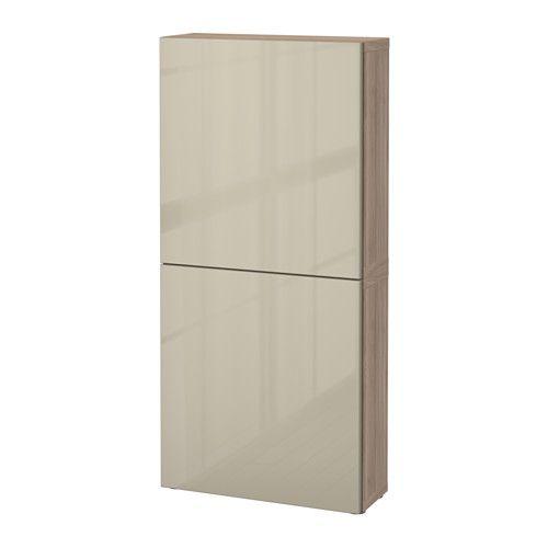 130,00 hay blanco IKEA - BESTÅ, Armario de pared con 2 puertas, efecto nogal tinte gris/Selsviken alto brillo/beige, , Puedes escoger entre la función de cierre suave, que hace que la puerta se cierre silenciosamente, y la de apertura a presión, que te permite abrirla con un ligero golpecito.Los armarios de pared te ayudan a aprovechar al máximo el espacio sobre el TV.