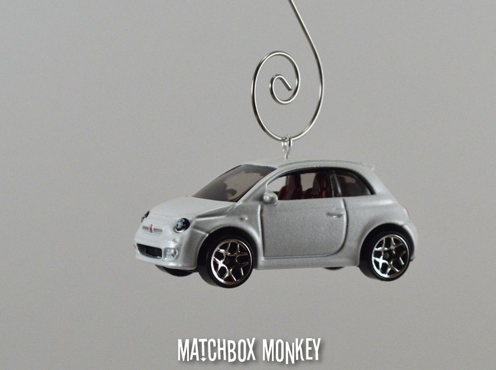 Fiat 500 Custom Christmas Ornament 1//64th Scale Adorno Pop Racing Hatchback