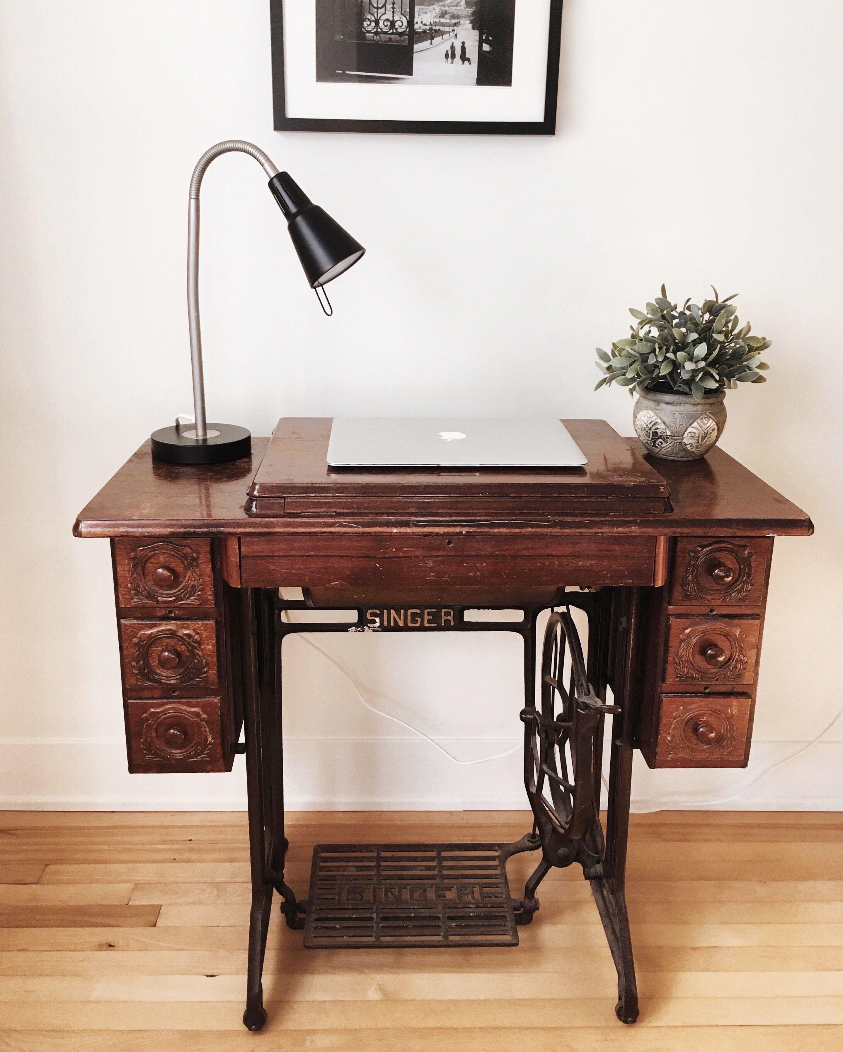 Machine à coudre vintage   Idée déco meuble, Machine a coudre ...