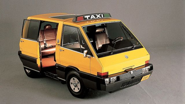The 1976 Alfa Romeo New York Taxi Was The Real Taxi Of Tomorrow Auto Carros Fotos