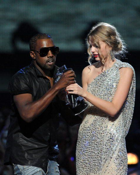 Musicians Nearly Career Ending Stunts Kanye Vs Taylor Kanye West Mtv Video Music Award Mtv Videos