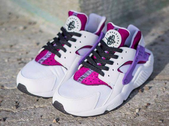 Nike WMNS Air Huarache - White - Black - Bright Magenta - SneakerNews.com