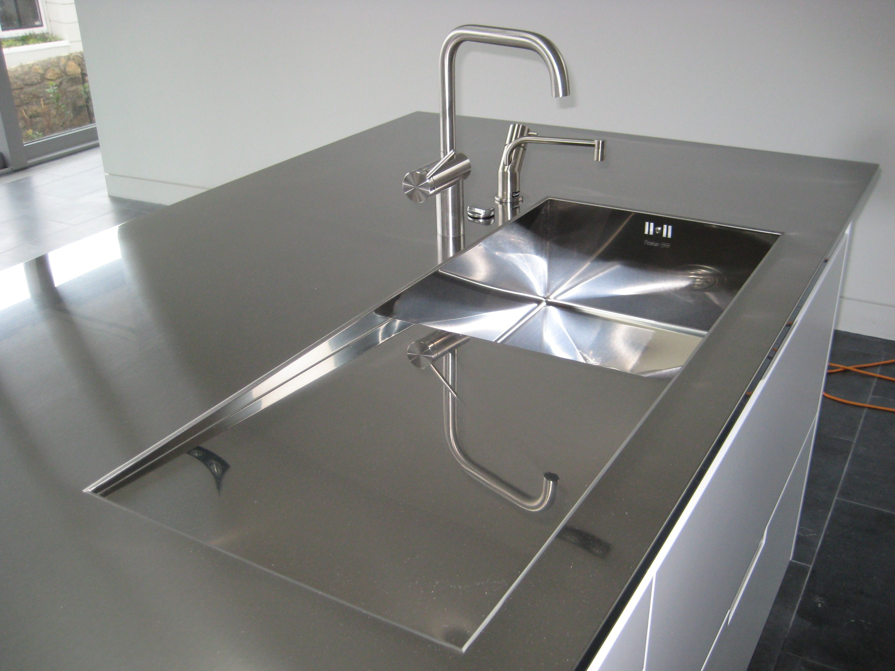 Interior: Interior Rectangle Stainless Steel Single Bowl Sink And Stainless  Steel Worktop Plus Stainless Steel Single Handle Faucet With Stainless Steel  ...