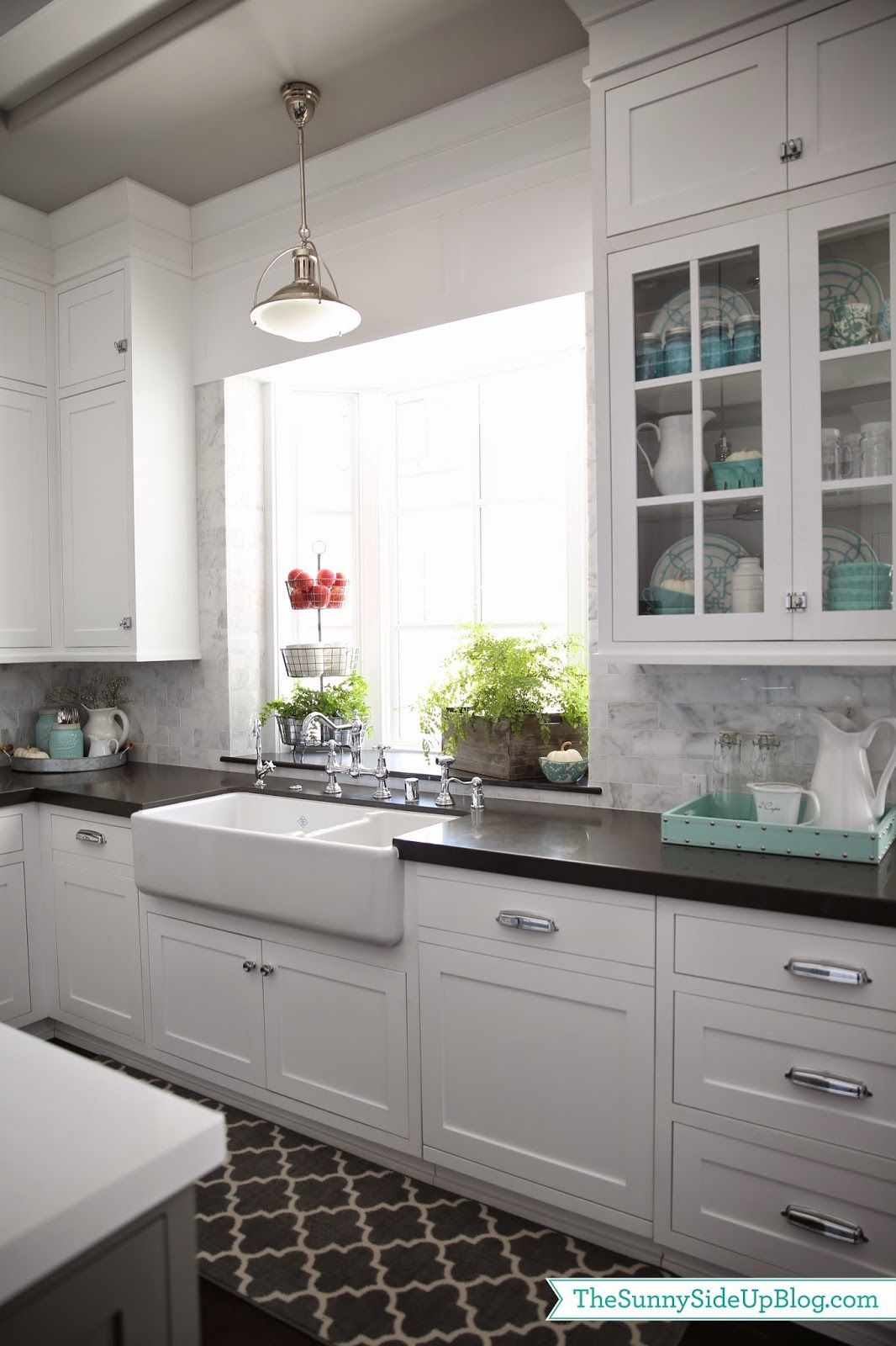 Best Fall In The Kitchen White Shaker Kitchen Kitchen Design 400 x 300