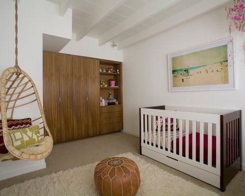 cette photo montre une chambre de bb fille moderne de taille moyenne avec un mur blanc - Chambre Bebe Fille Moderne