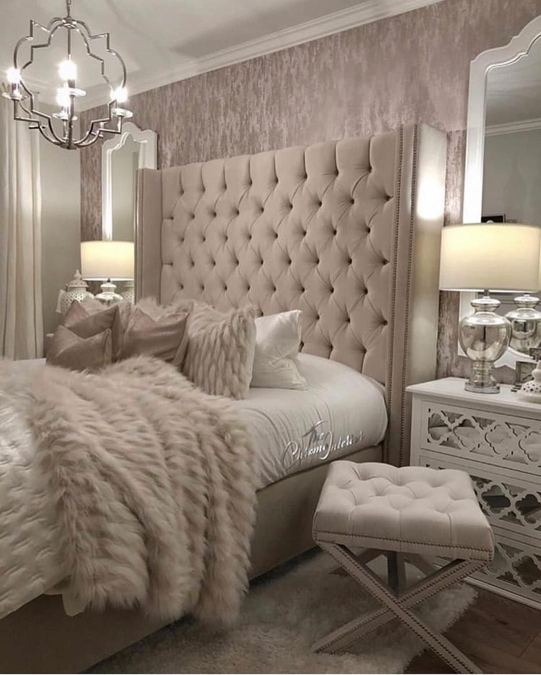 Chachou Interior Design Decor On Instagram Sunday The Day For Rest Mention This To A Friend Bedroom Interior Home Decor Bedroom Stylish Bedroom Design