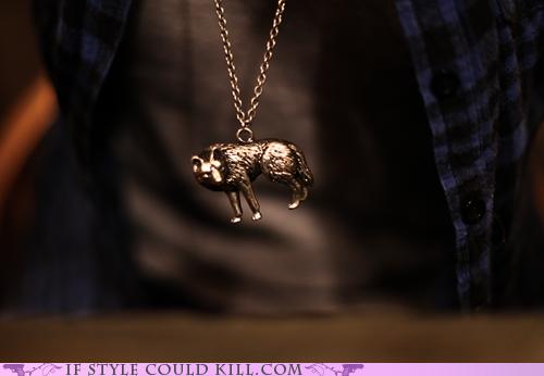 reminds me of the bracelet Jacob makes Bella... :0