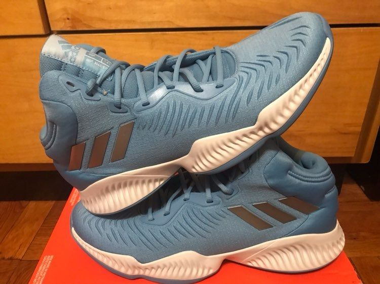 Adidas basketball shoes men's size 14