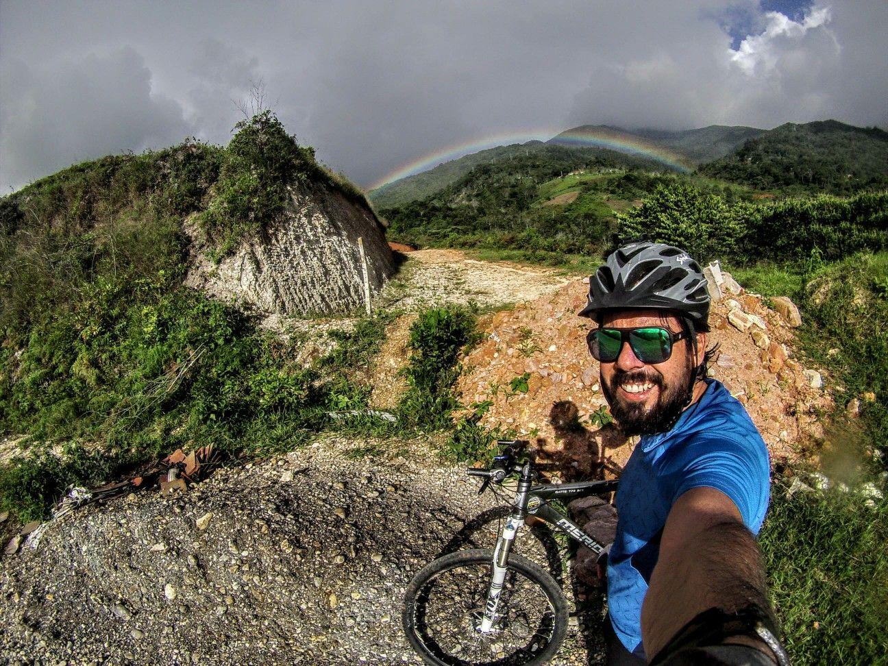 La naturaleza se aprecia mejor sobre una bicicleta (mtb).