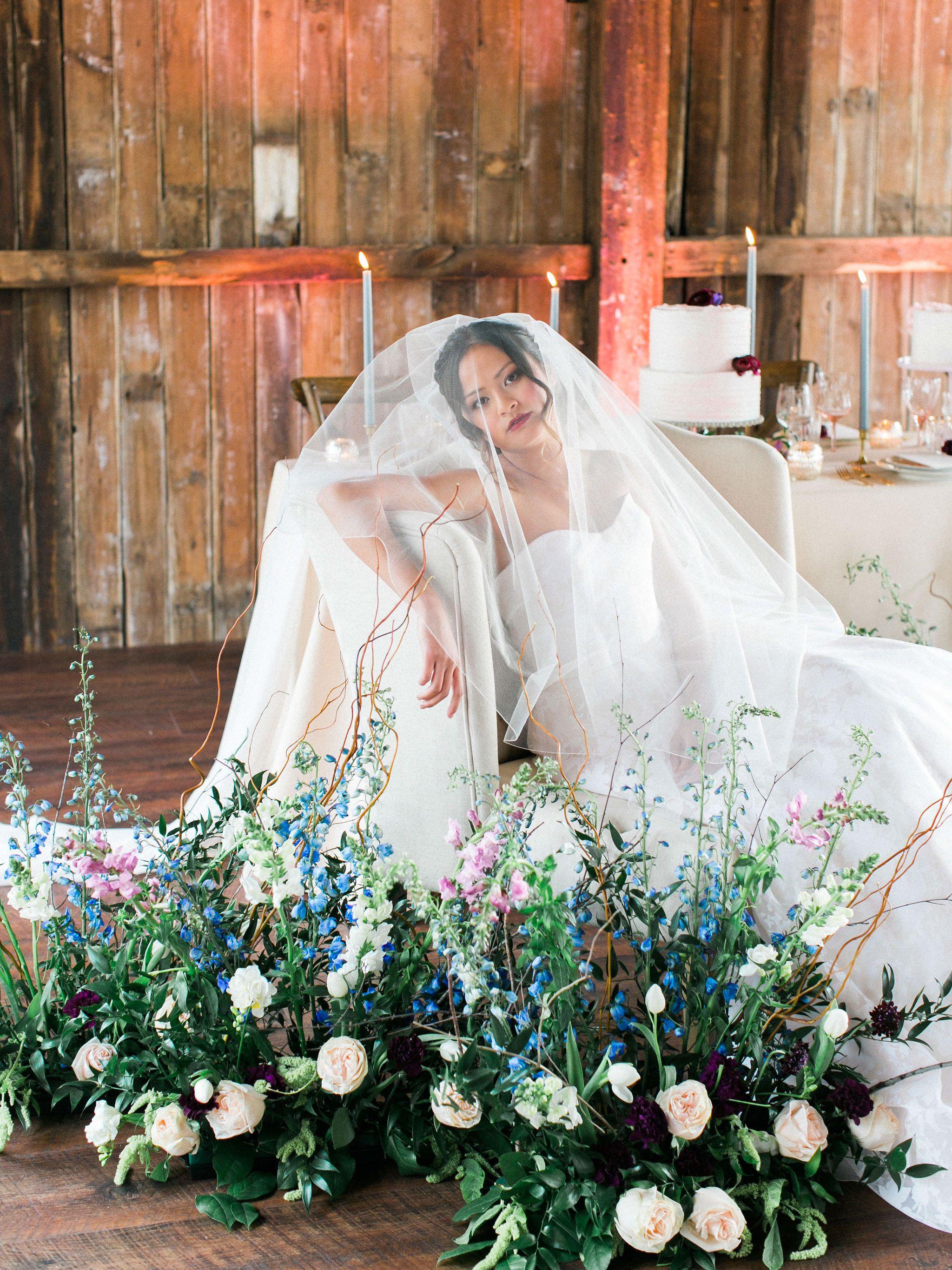 Unique romantic wedding ideas Modern wedding flower design