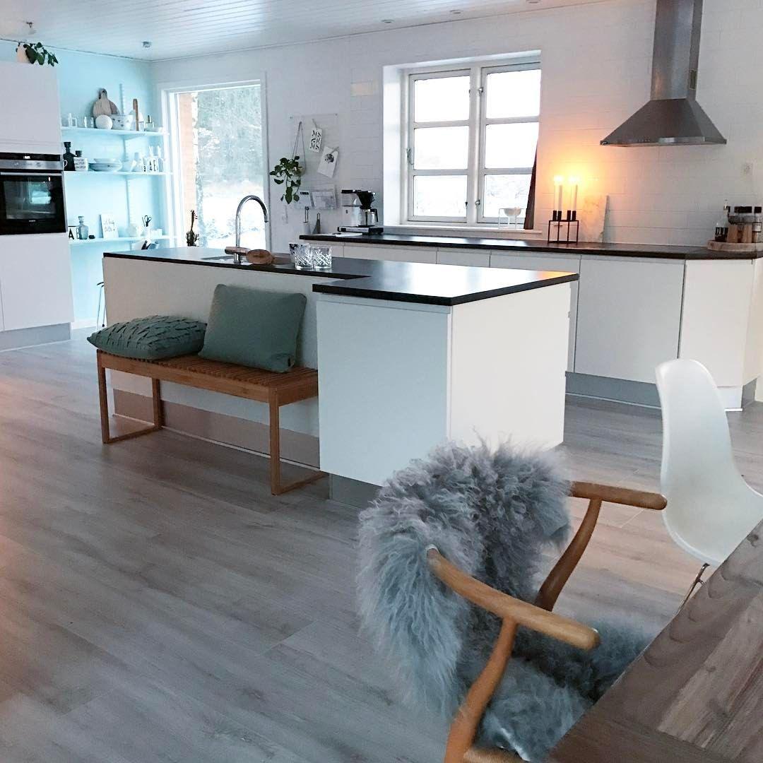 Donker blauwe kasten voor accessoires   Häcker - Systemat keukens ...