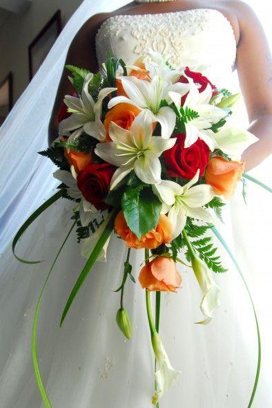 Brautstrauss Mit Rosen Und Lilien Hochzeit Pinterest Wedding