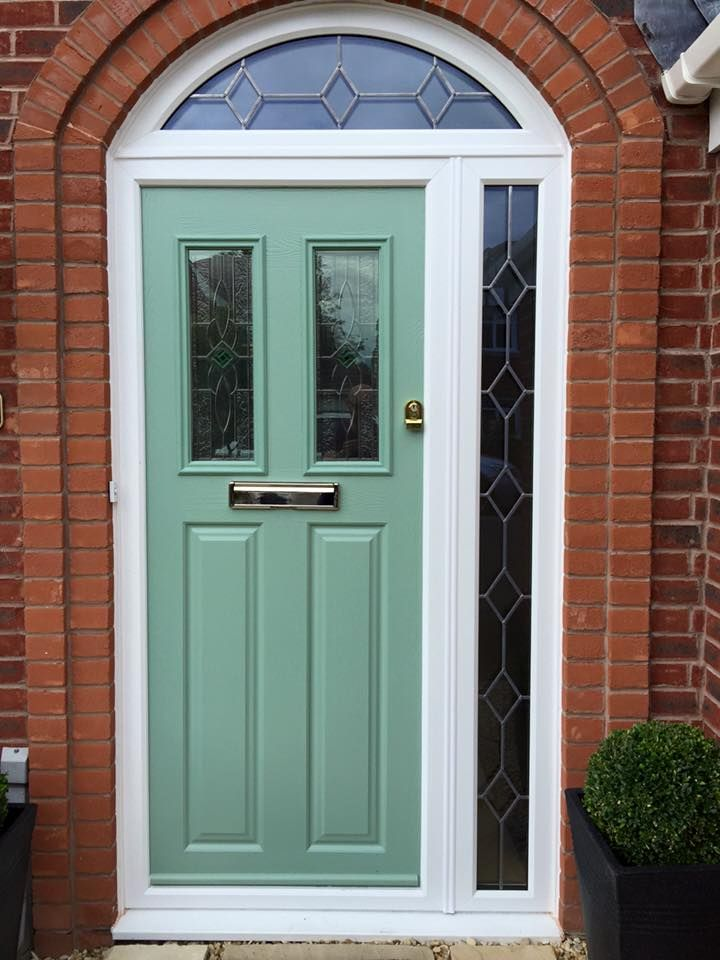 Another lovely composite front door in Chartwell Green! Get a quote ...