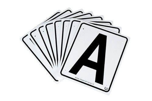 IR Manege letters set van 8