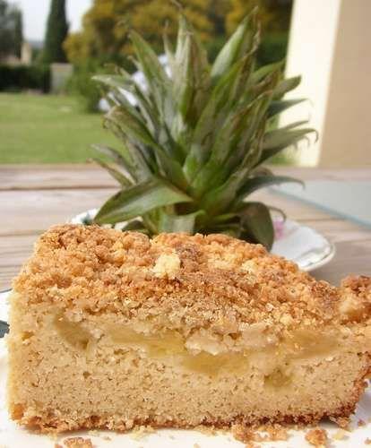 Ananas-Kokos-Kuchen - Rührteig mit Kokosraspeln, Ananas und Kokos-Streuseln - http://www.kochtopf.me/sonntagskuchen-ananas-kokos-streusel-herz