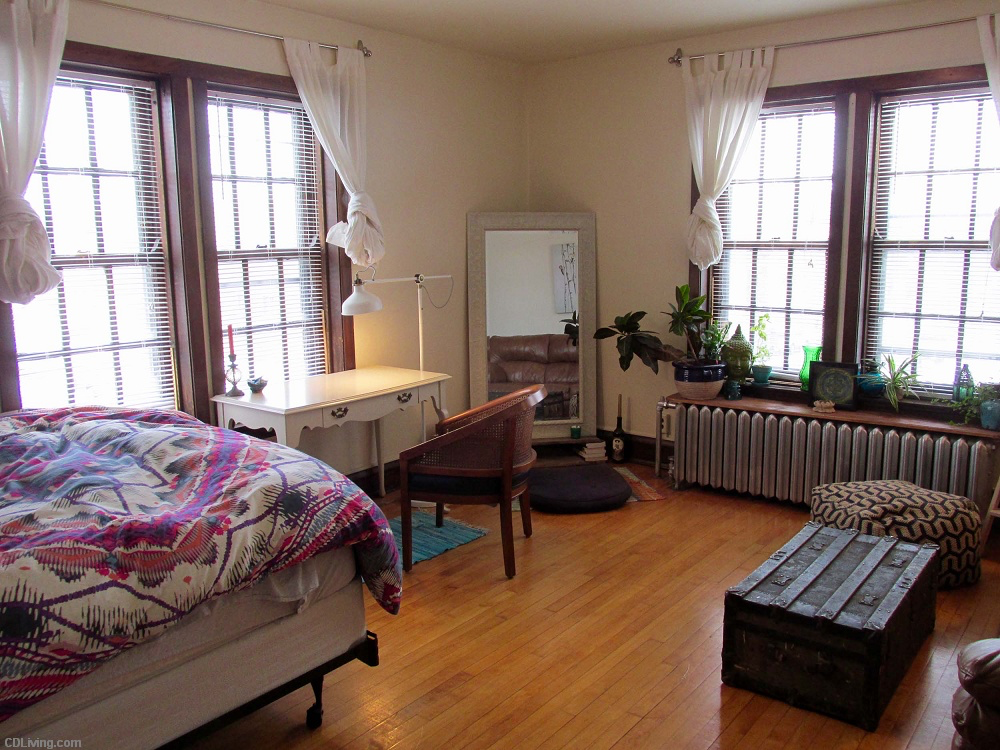 Live near the Capitol Square in a spectacular studio