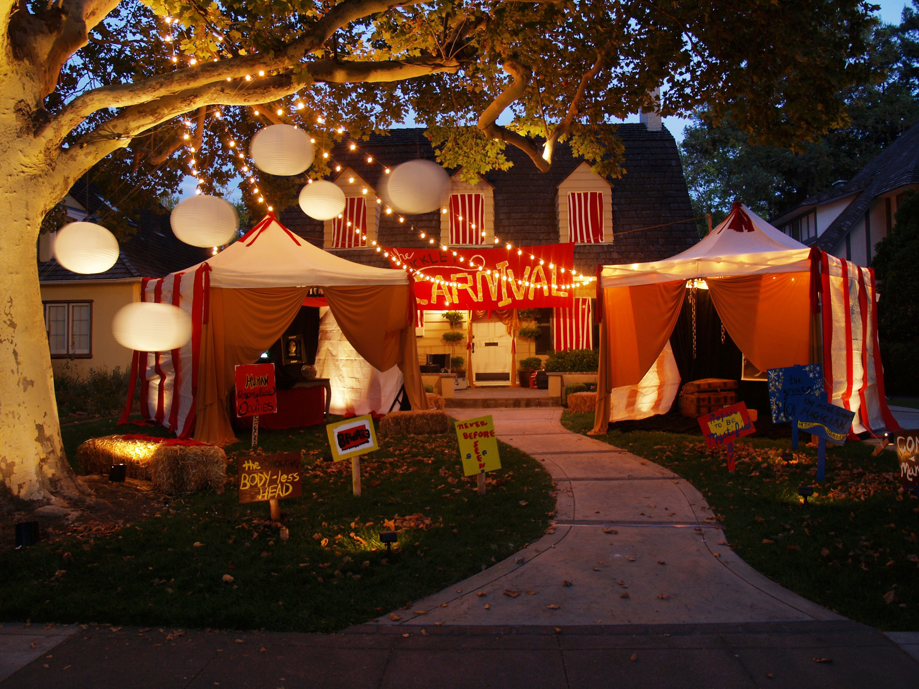 Carnival Halloween Theme.Creepy Carnival Tents For An Outdoor Halloween Theme Easy