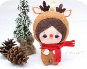 Christmas Elf / Santa Helper Felt Christmas Ornament by pinkTopic