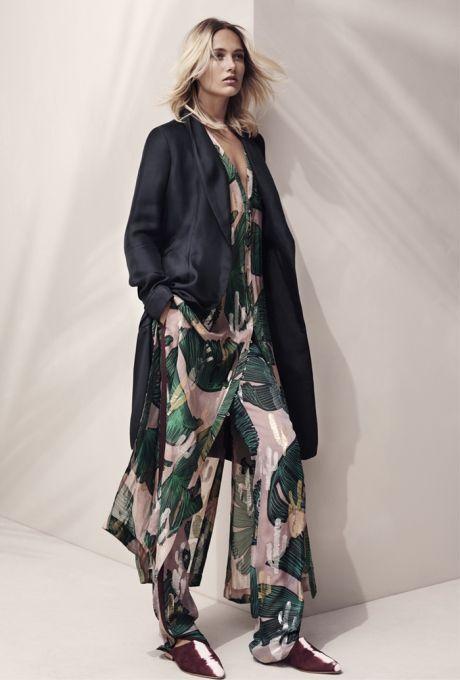 Så er der blivet offentligjort lidt billeder fra den næste H&M Studio kollektion, som netop er...
