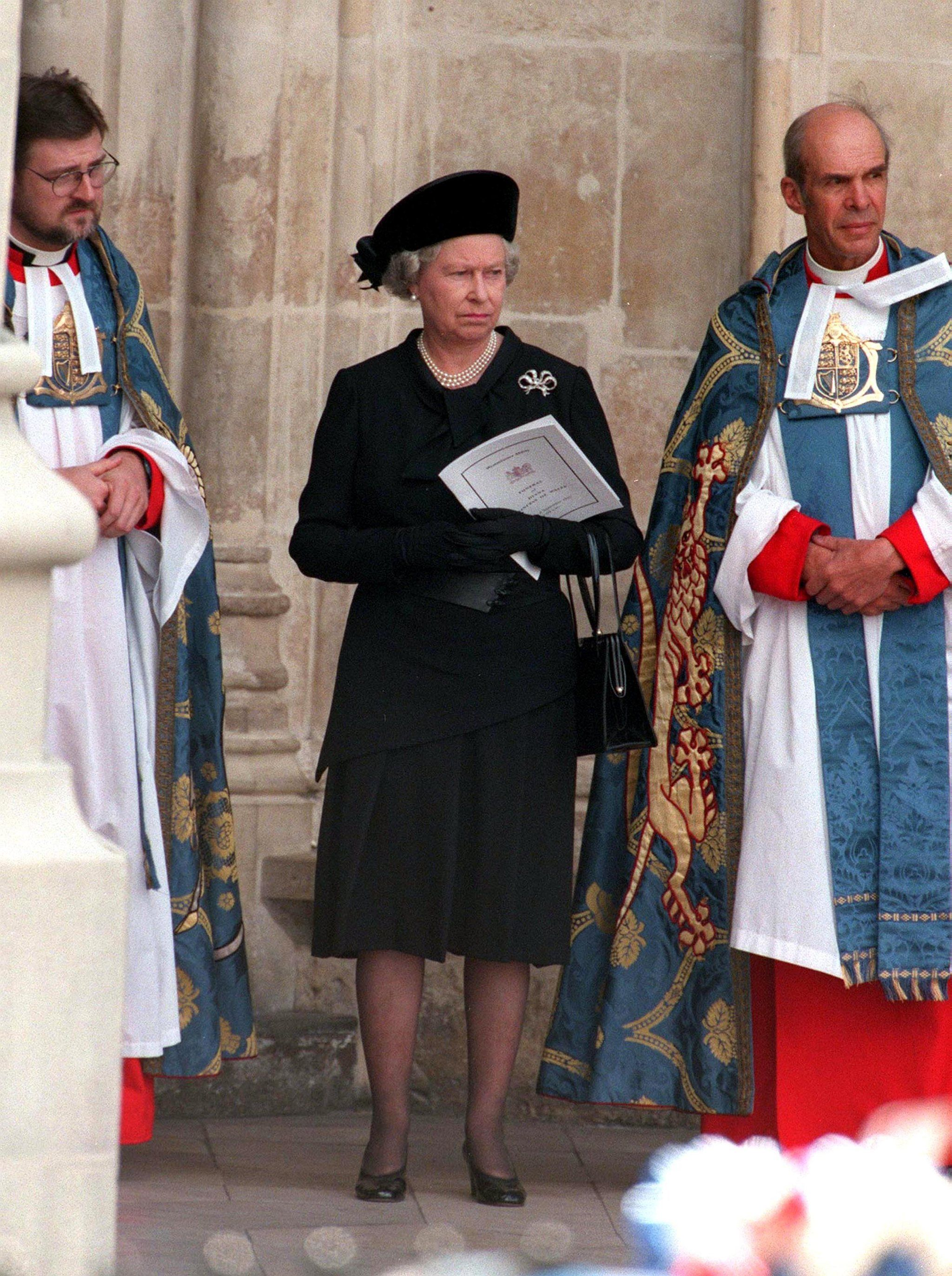 Queen Elizabeth II Did Something at Diana's Funeral That ...