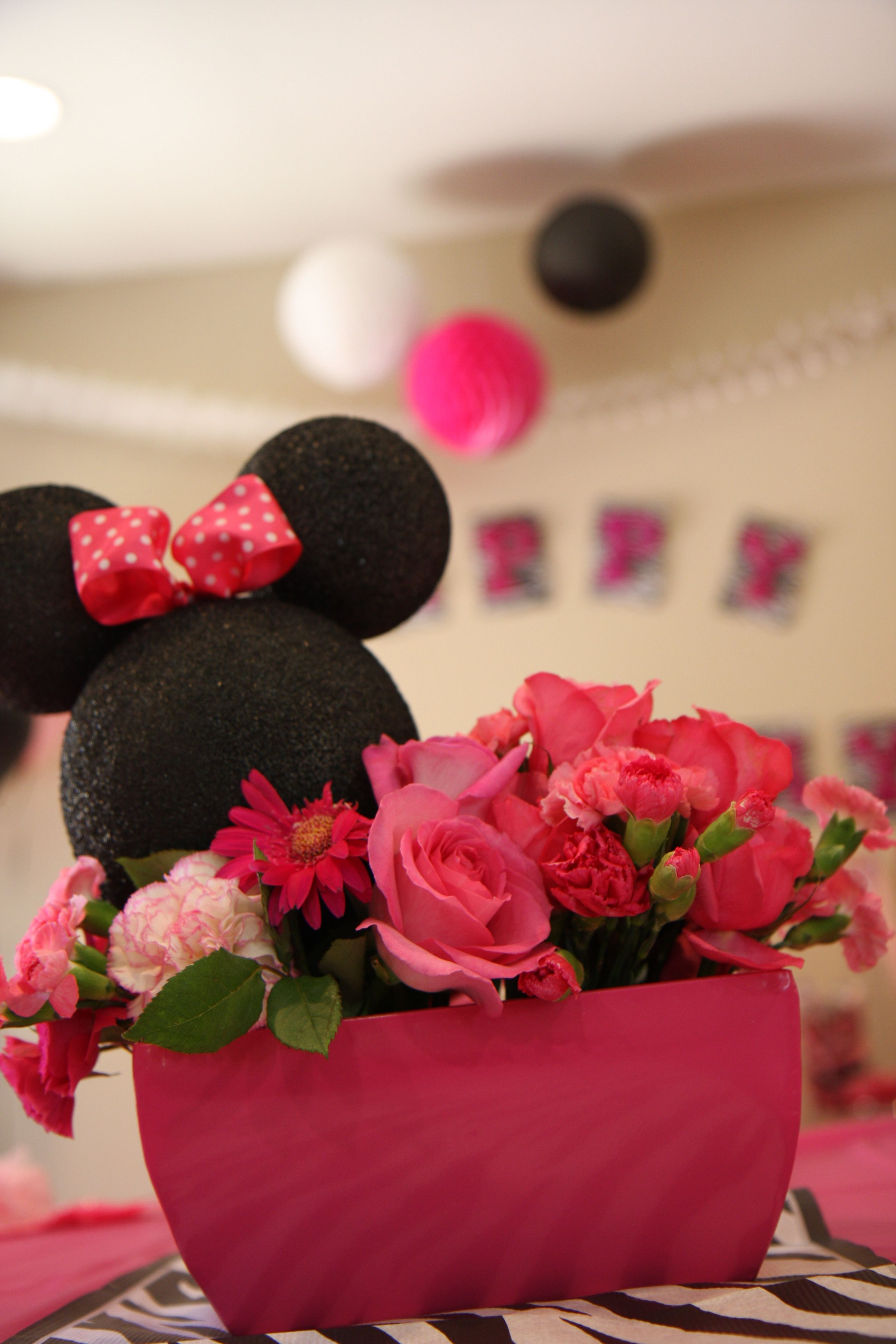 Minnie mouse flower centerpiece my parties pinterest minnie minnie mouse flower centerpiece dhlflorist Image collections