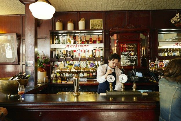 HOW TO SPOT A GREAT LONDON PUB