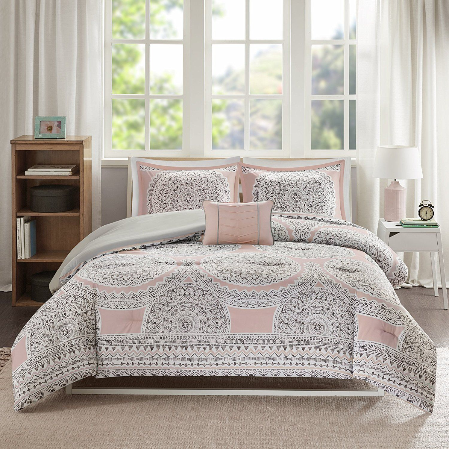 Amazon Com Comfort Spaces Adele Comforter Set 3 Piece Blush Grey Medallions Print Twin Twin Xl S Comforter Sets Bed Comforter Sets Space Comforter