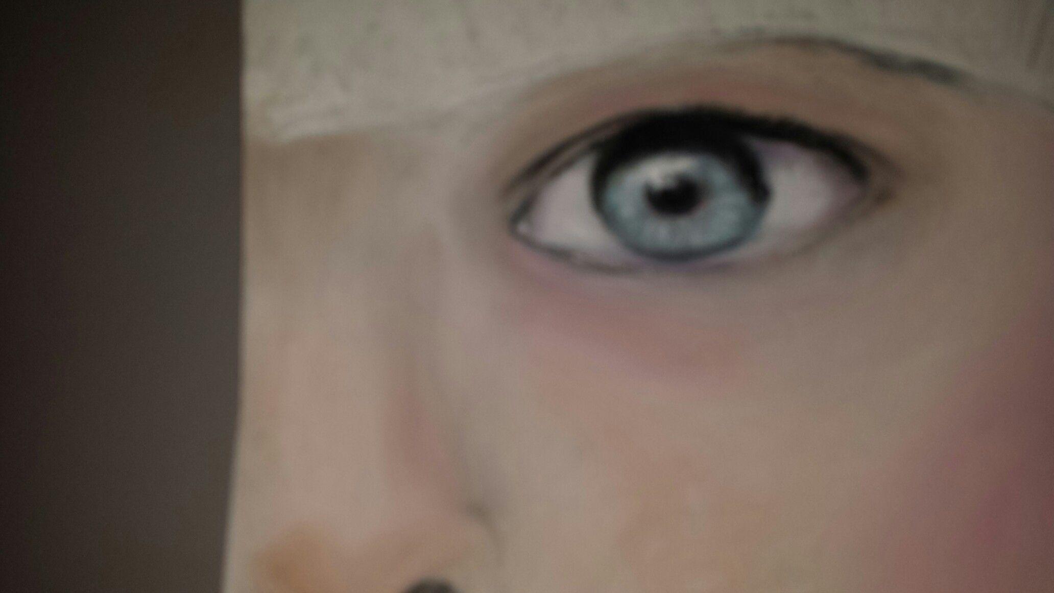 Pastelkrijt oog en gedeelte neus
