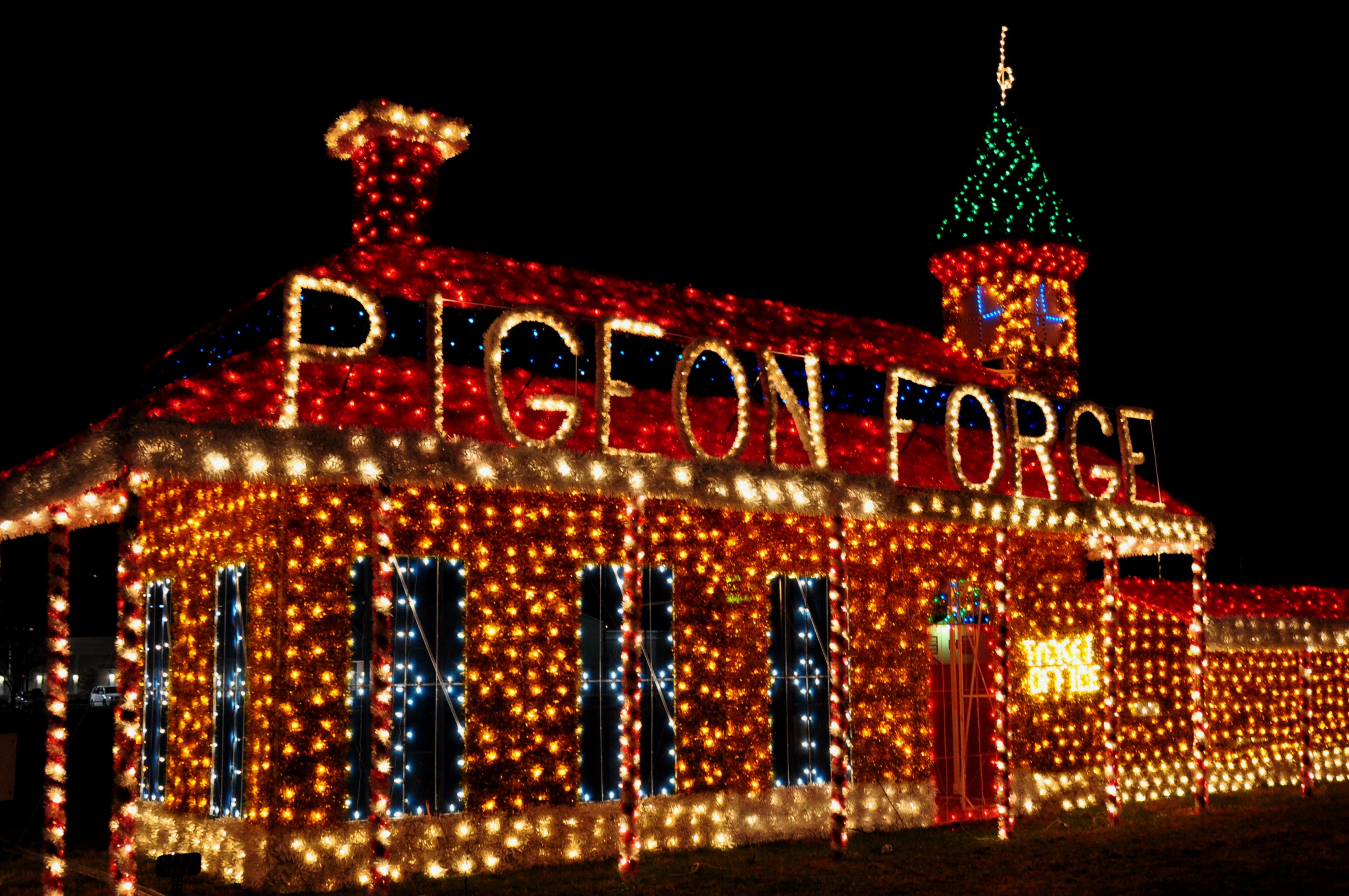 Cabins in gatlinburg tn decorated for christmas - Luxury Vacation Cabin And Home Rentals In Pigeon Forge Gatlinburg Sevierville And Brother S Cove Tennessee Outside Great Smoky Mountains National Park