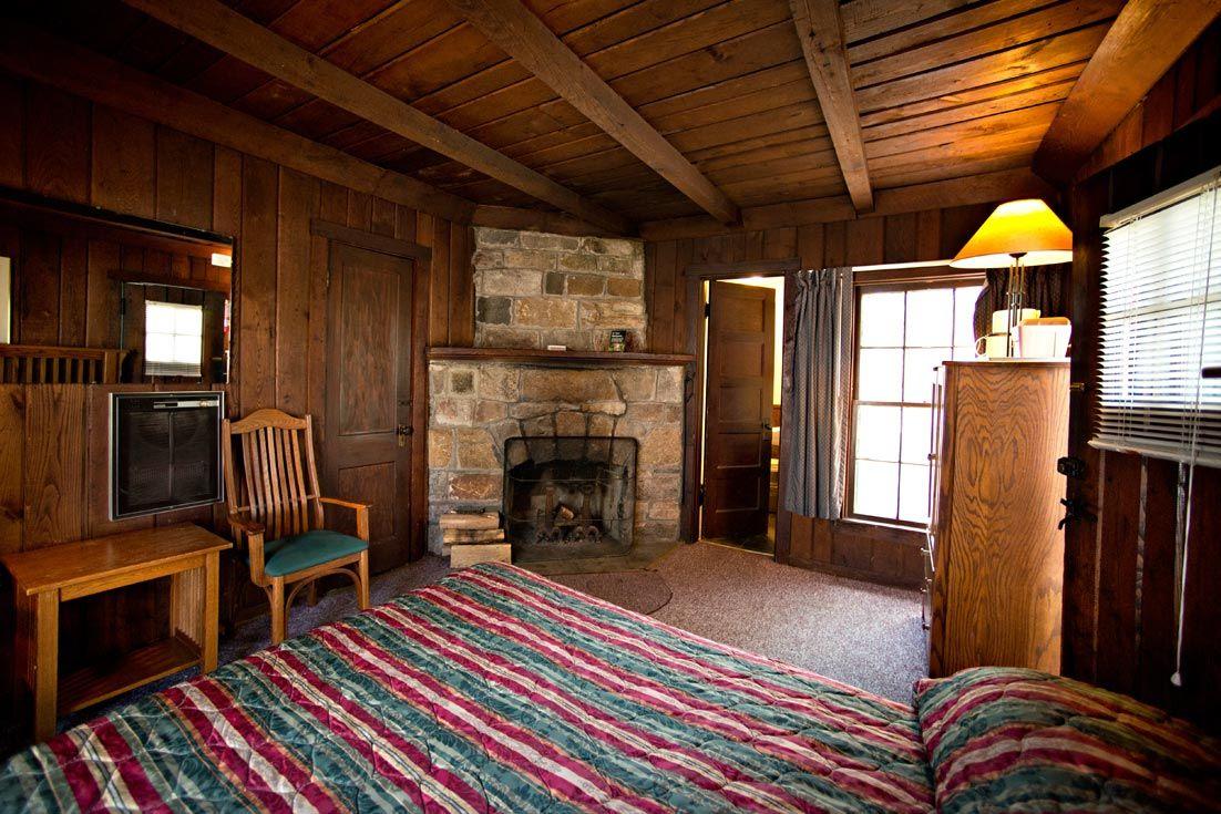 Cabin Room Big Meadows Lodge Shenandoah National Park Va Shenandoah National Park Cabin Rooms National Parks