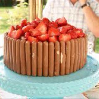 Fruit topped cake birthday cake ideas F Pinterest
