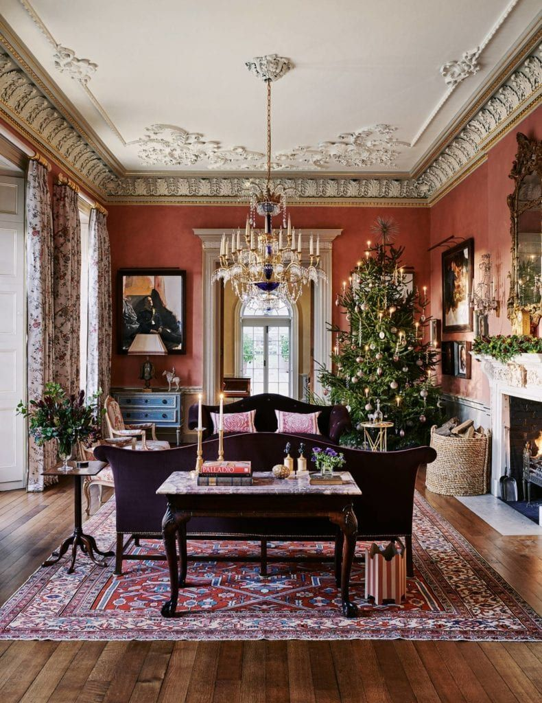 25 Traditional Christmas Inspirations And Last Minute Gift Ideas The Glam Pad Victorian Home Decor Victorian Interior Georgian Interiors