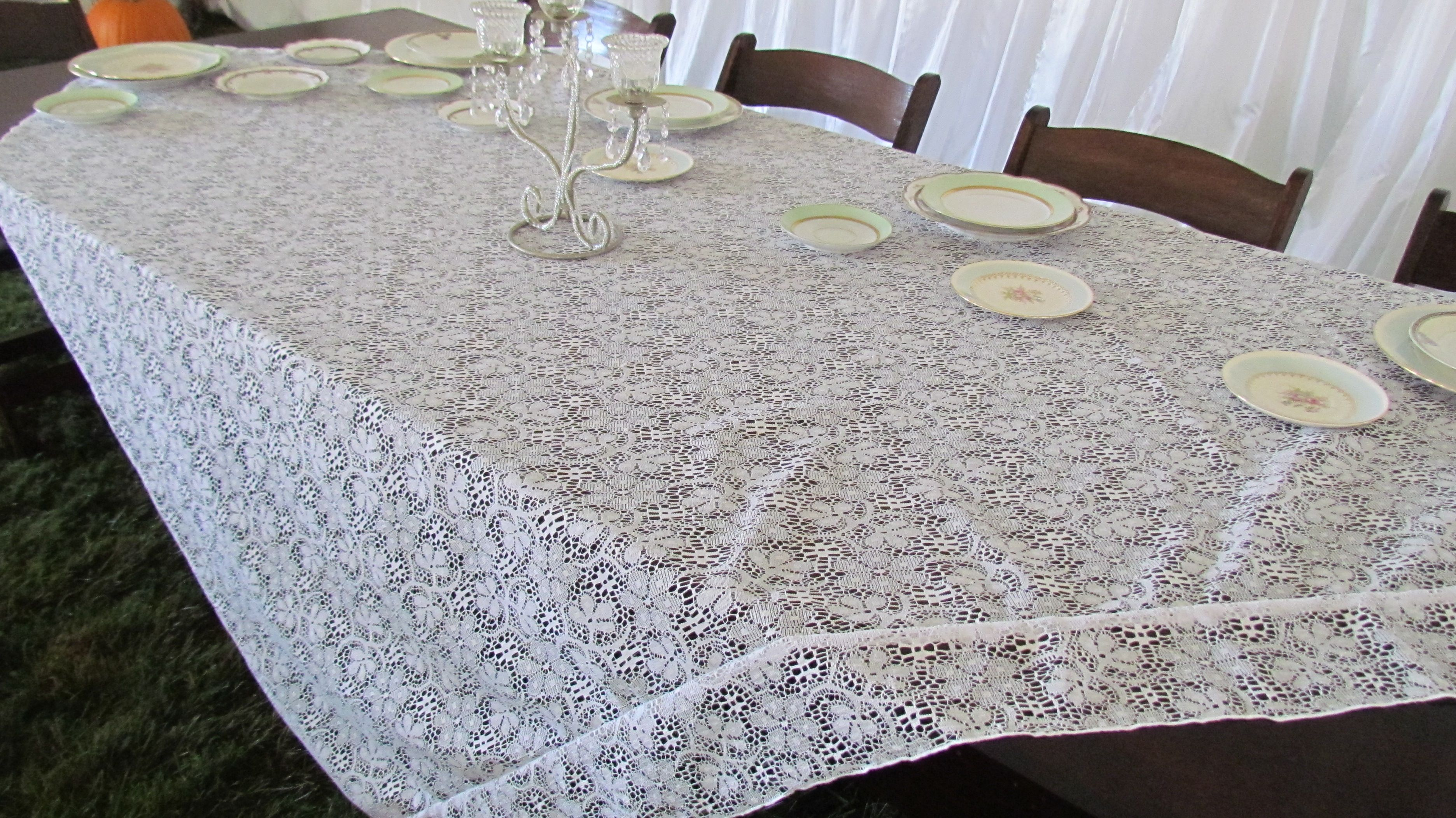 Lace overlay at head table