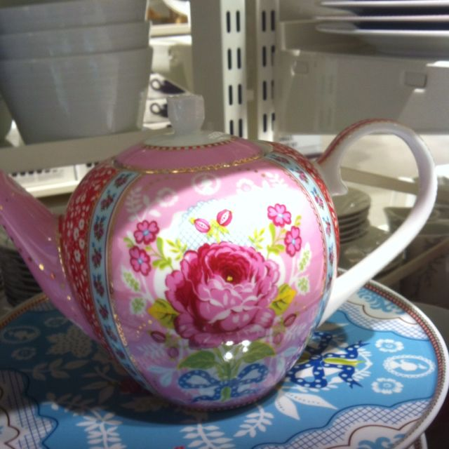 I dont drink tea, but i want this!