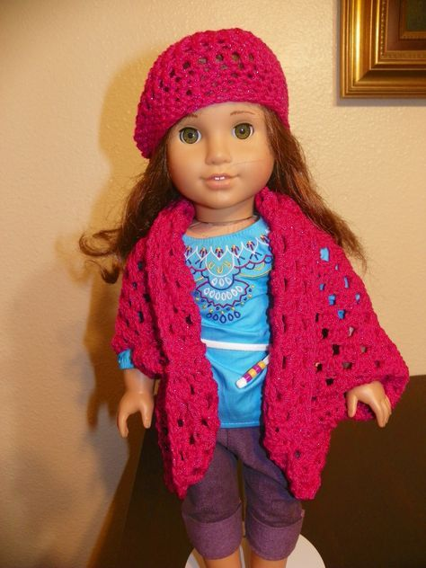 Simple American Girl Doll Hat Crochet Pattern @lilyloveswillow.com #dollhats