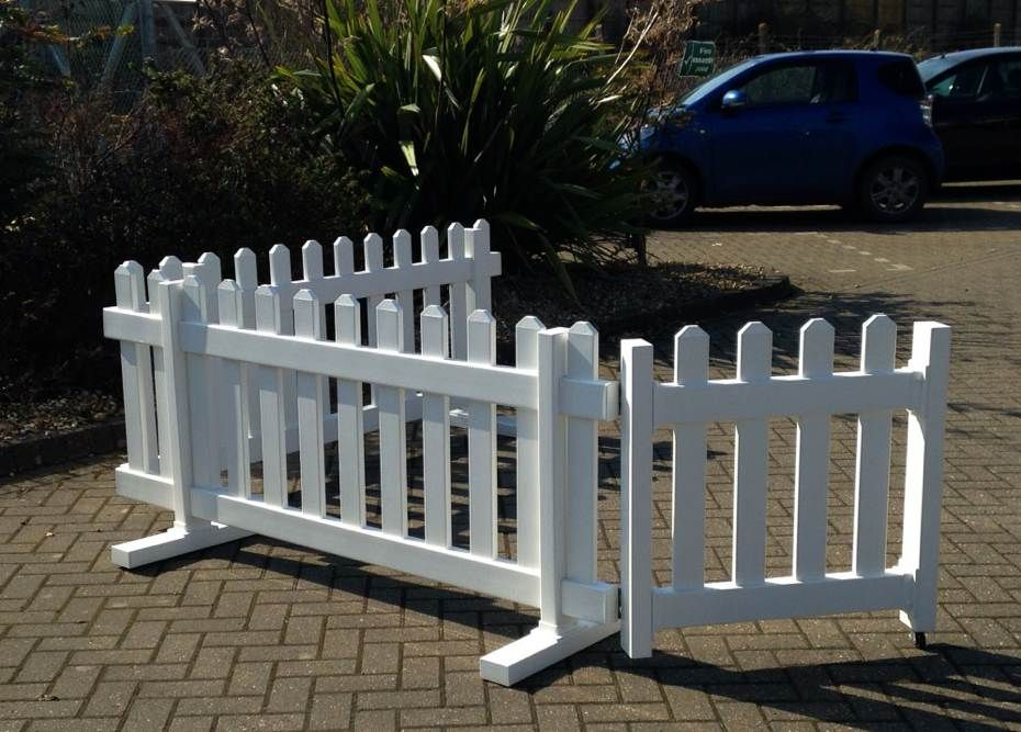Portable Picket Fence Showing Wheeled Gate In 2019