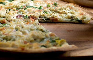 بيتزا مارغريتا زوروا موقع طريقة وشاهدوا أحدث الوصفات الرمضانية الشهية بيتزا مارغريتا زوروا موقع طريقة وشاهدوا أحدث الوصفات الرمضاني Food Cheese Pizza Pizza