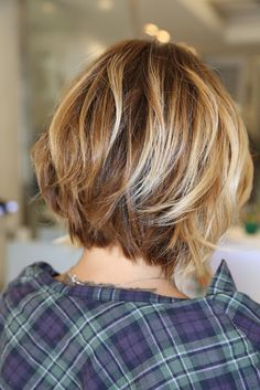 Neck Length Layered Bob Neck Length Medium Length Bob Cut