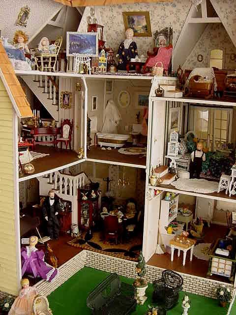 Nana S Garfield Blog Notice The Open Attic Space Dolls House