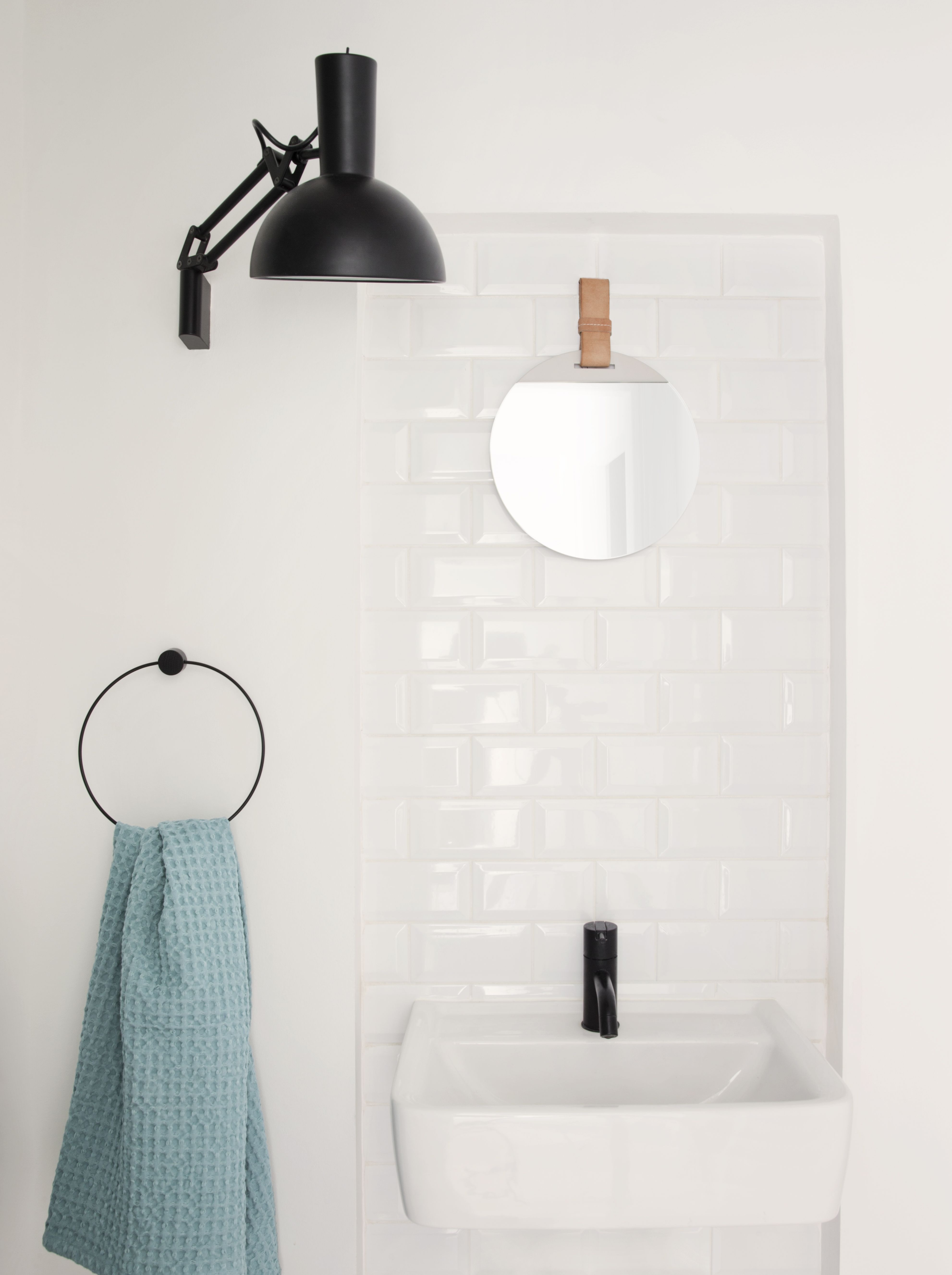 Black Towel Hanger design by Ferm Living - Wc, Badkamer en Badkamers