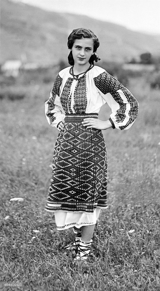 Moldova Romania woman traditional dress clothing | Old Romania – Adolph Chevallier photography