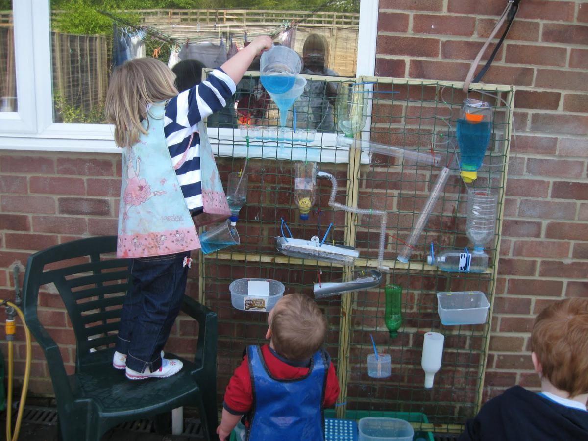 Wasserspielwand für Kinder DIY   KINDER   Pinterest   für Kinder ...