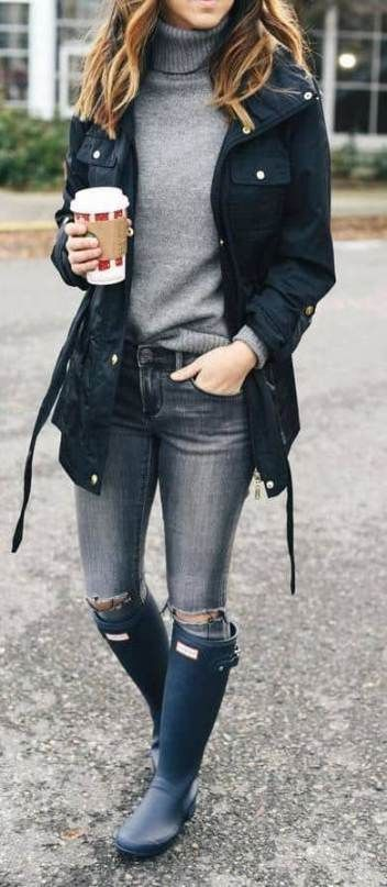 Raint Day Outfits #rainydays #rainydayoutfit #dailyoutfit #dailyfashion #dailytrend #fashion #fashionstyle #fashionoutfits #womanoutfits #womanfashiontrend #rainydayoutfitforwork