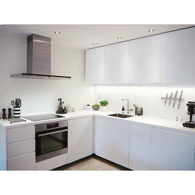 Ikea Kitchen Galley: Voxtorp Met Bovenkastjes