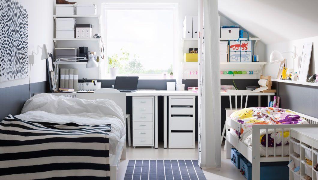 Soverom og arbeidsflater for barn og voksen med gardin som romavdeler