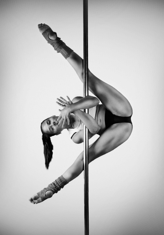 Pole Dance Stretching Exercises Pole Dance Dehnübungen Ejercicios De  Estiramiento De Pole Dance - ##dance ##… | Pole dancing, Pole dancing  fitness, Pole dance moves