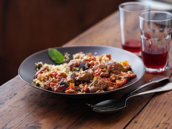 Tajine mit Rindfleisch und Couscous ist ein Rezept mit frischen Zutaten aus der Kategorie Rind. Probieren Sie dieses und weitere Rezepte von EAT SMARTER!